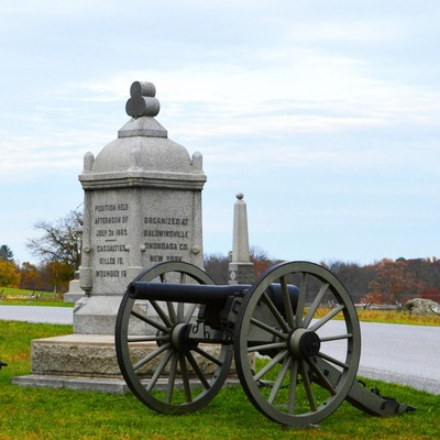 Statue and canon at Gettysburg